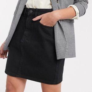 Old Navy black soft denim high waist skirt 10